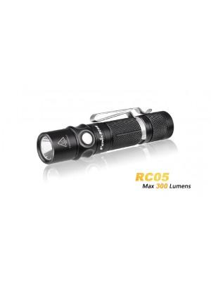Lanterna reincarcabila Fenix RC05