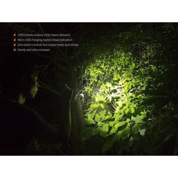Fenix UC30 2017, Lanternă Led