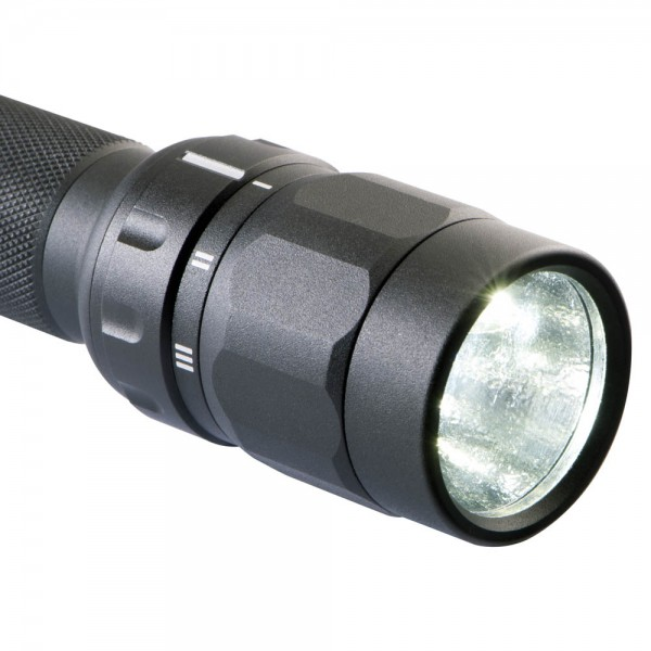 Lanterna LED tactica Peli 2370