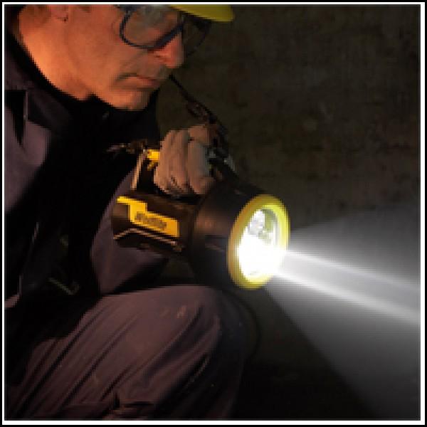 lanterna LEd reincarcabila Wolf XT 90 Zone