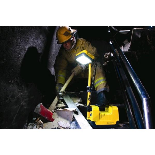 Sistem de iluminare profesional reîncărcabil Peli 9430 RALS/ uz militar