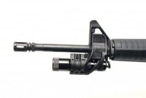 Dimensiunea, greutatea si intensitatea luminoasa sunt elemente esentiala pentru o lanterna tactica ce se ataseaza la o arma.